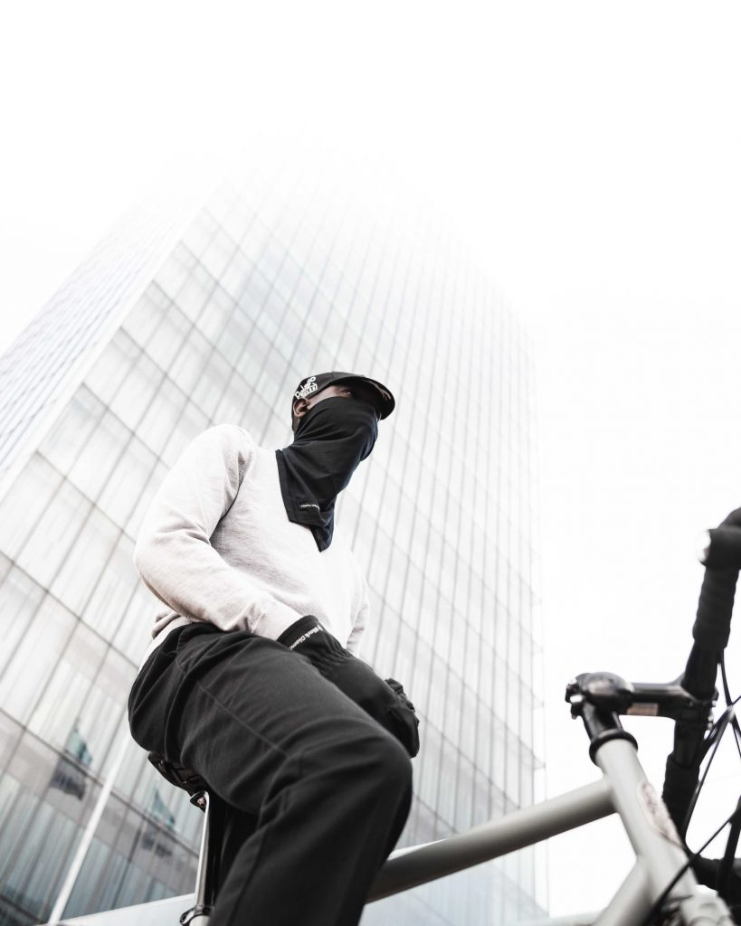 Formal Friday X Pelago merino wool scarf is a versatile and durable product for bicycling.